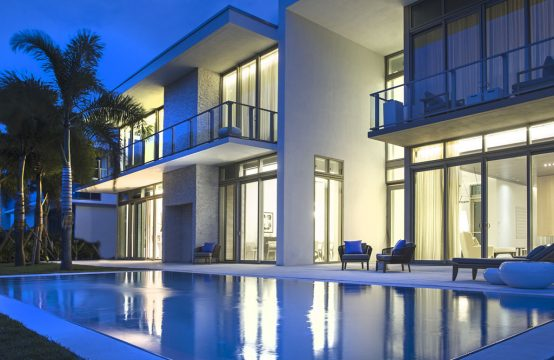 VILLA AT OCEANA KEY BISCAYNE