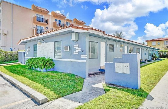 6 Unit Multifamily Home in Little Havana