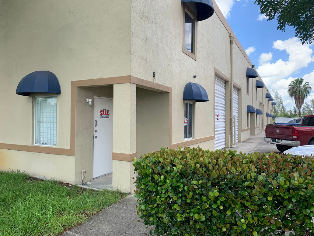 Warehouse For Sale in Hialeah Gardens