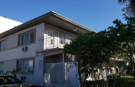 10 Unit Multifamily in Normandy Drive